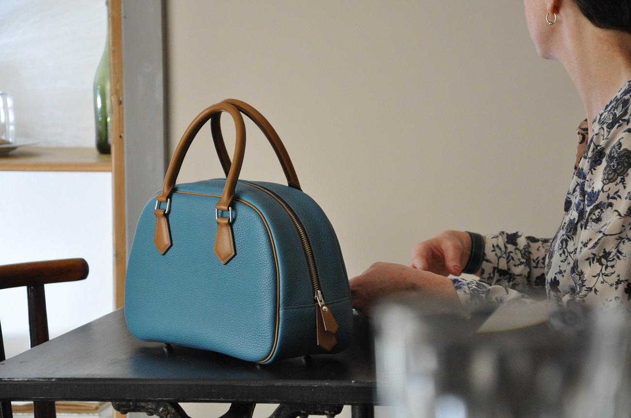 Maroquinier, artisan de luxe. Création de sacs, ceintures, portefeuilles - Made in France.
