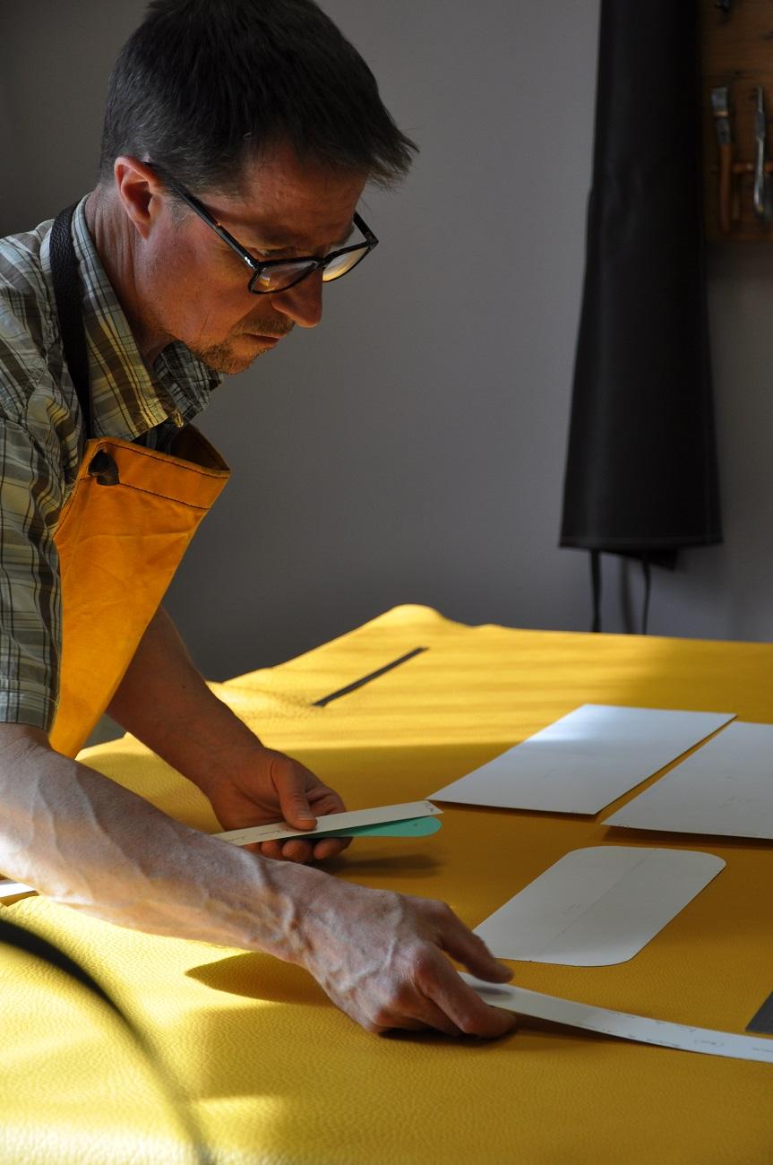 Maroquinier artisan français, créateur de sac, bagages, ceintures en cuir. Un savoir-faire d'excellence française. LE NOËN