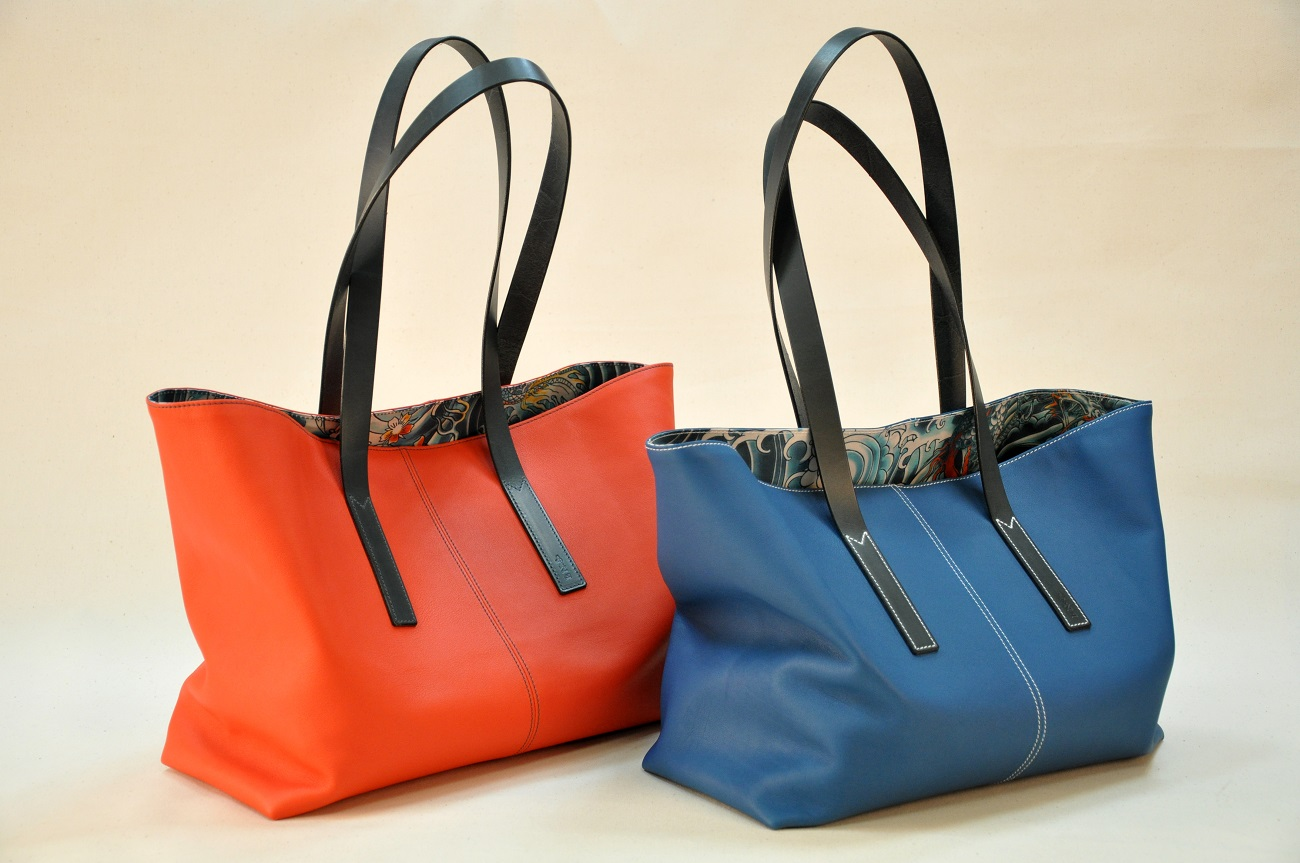 Tote bags for woman limited serie, in swift calfskin, linen Jean-Paul Gaultier inside, cowhide handles. France