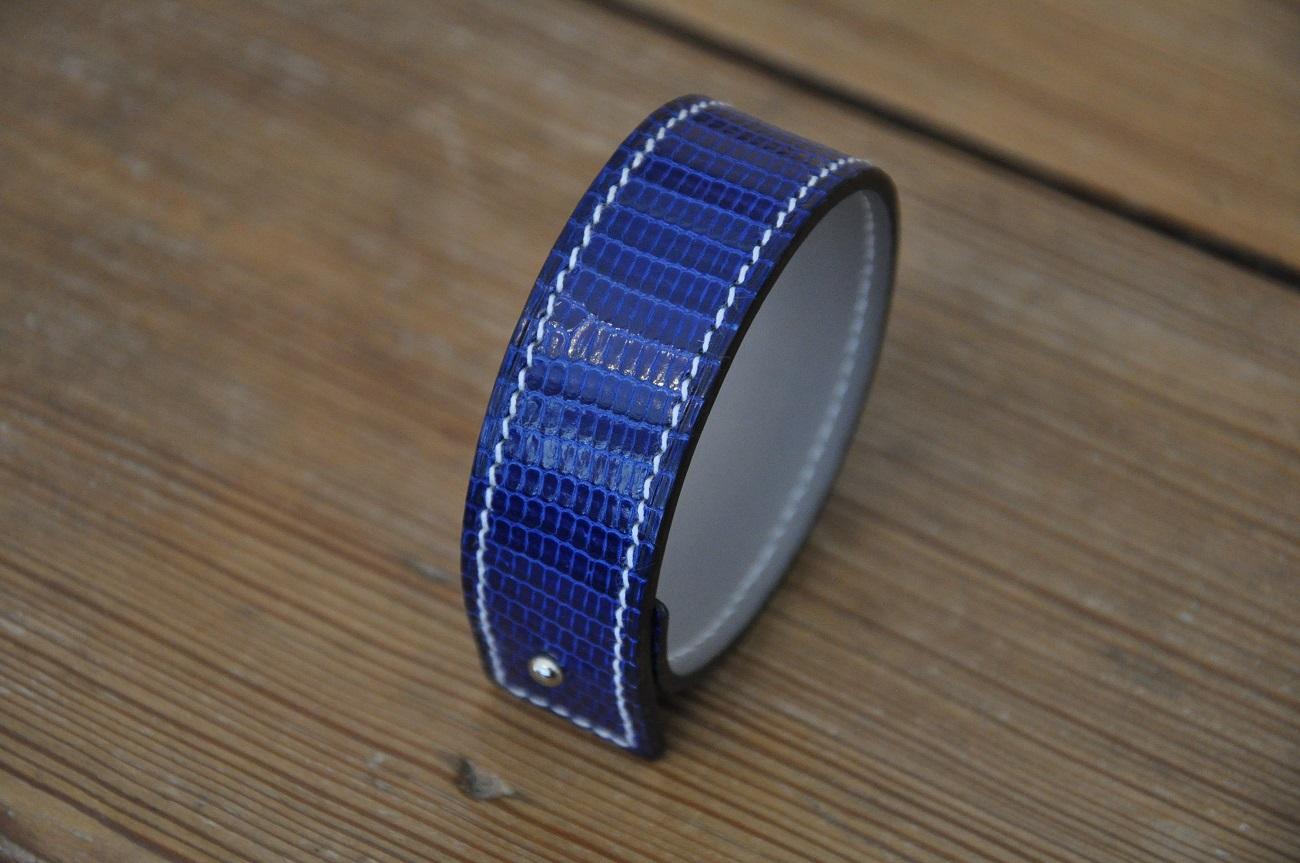 Bracelet en lézard bleu brillant par les créateurs LE NOËN