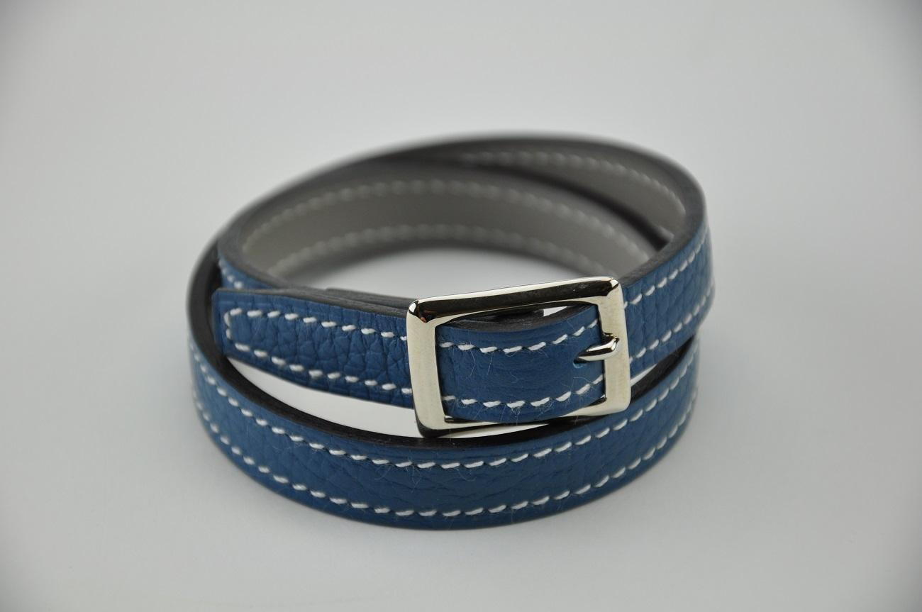 Bracelet en cuir taurillon bleu jean doublé en veau gris, modèle 2 tours pour femme ou homme. France