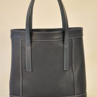 Bag in leather for woman, the fashion accessorie to have this summer, design and made by a luxury leather goods crafstmen in France LE NOËN.