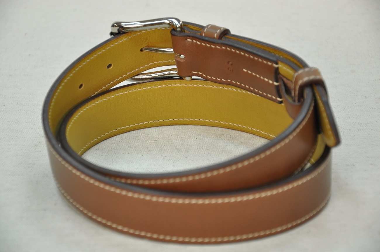 Belts in brown cowhide for woman and man. Handmade in France by LE NOËN leather goods craftsmen.