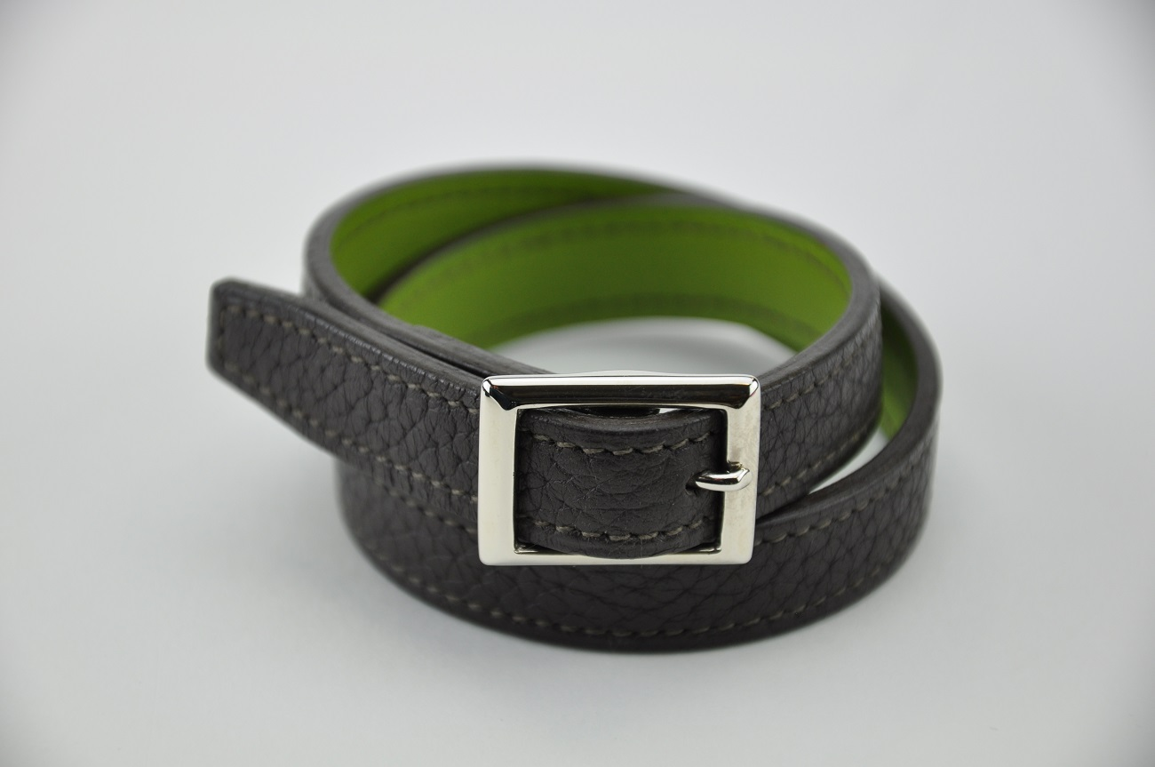 Bracelet in brown taurillon and green calfskin. For man and woman . Made in France by leather craftsman LE NOËN