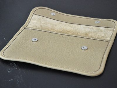 Clutchbag for woman, ideal just for the necessaries, for an evening party. Design by LE NOËN leather goods crafstmen.