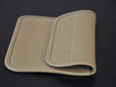 clutchbag is taurillon leather, ideal with the Marta's bag. Made in France by LE NOËN, luxury savoir-faire.
