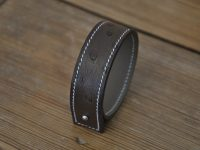 Bracelet jewelry for woman in ostrich leather. Made in France by LE NOËN leather goods craftsmen.